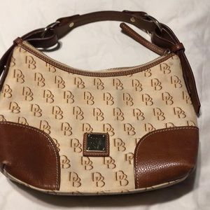 Dooney and Bourke outlet purse